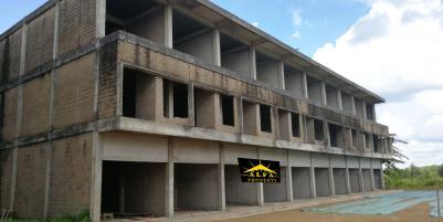 RUMAH (2nd) Selatan Ambarukmo Plaza (AMPLAZ)