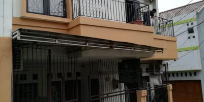 Dijual Rumah 2Lantai Strategis di Rempoa Bintaro