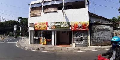 Dijual cepat Ruko 3 lantai dilokasi strategis dan ramai.