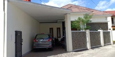 Rumah BERKELAS di Jogja Barat Dekat Kampus PGRI Yogyakarta