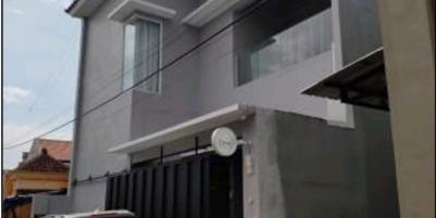 Rumah 2 tingkat baru di pakai 8 bln
