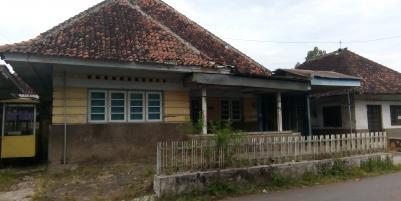 Dijual rumah dengan desain klasik