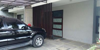 Jarang Ada! Jual Rumah Tengah Kota Gresik di Perumahan Sarmada Regency - Foto 001