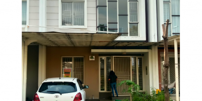 Sewa rumah green lake city cluster amerika