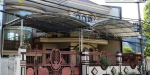 Raya Panjang Jiwo Permai Surabaya - Affordable Luxury.