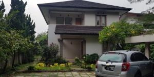 Dijual Rumah Mewah Full Furnished Cipedak Jakarta Selatan