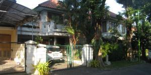 RUMAH DISEWAKAN @ Graha Famili Surabaya - Terawat dan Siap Huni.