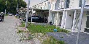 Rumah cantik di Surabaya sangat murah 600 jt anLingkungan di sekitar Diamond Park Juanda