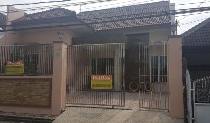 Jual Rumah Baru Siap Pakai di jalan Pisces daerah Tambaksari Surabaya