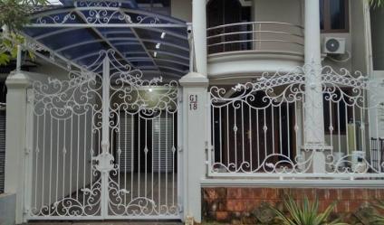 Rumah Nyaman disewakan hanya 3 menit dr Tol Karang Tengah