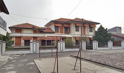 Rumah 2 Lantai di Cakung Jakarta Timur, Lokasi Strategis Dekat Terminal dan Jalan Tol
