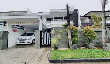 Dijual Rumah Mewah 2,5 Lantai di Rawamangun Dekat UNJ dan Kantor BPKP Pusat