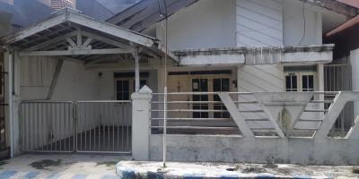 Rumah Kosong di Cluster Palem Perumahan Pondok Tjandra