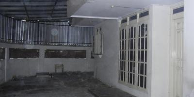 Disewakan Rumah Pakis Tirtosari Mayjend Sungkono dekat Ciputra World