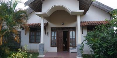 Rumah asri dekat kampus ternama gamping