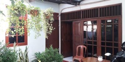 Dijual Rumah Jatinegara Cocok untuk usaha kos2an
