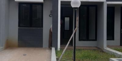 Rumah siap huni lokasi strategis di depan jalan lebar 20m2