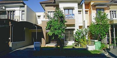 Sewa Rumah Apik, Siap Huni Royal Residence, Kensington, Wiyung, Surabaya.