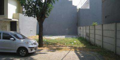 TANAH DIJUAL @ Dian Istana Surabaya - 141m² Section is located in a quiet Cul-De-Sac.