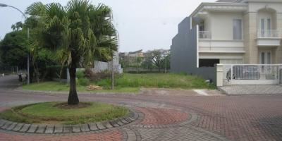 TANAH DIJUAL @ Graha Famili Surabaya - Beautiful 360m² Section in Great Location.