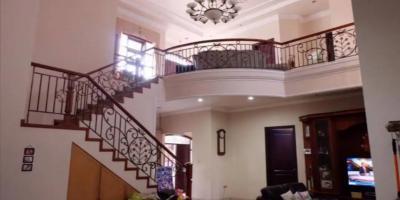 Dijual Rumah di Darmo Hill, Dekat SOHO SKYLOFT Ciputra World Siap Huni