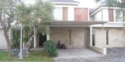 Citraland Green Hill Surabaya - 4 Bedrooms Family Home