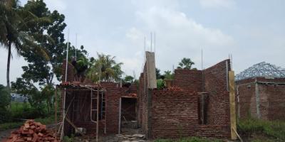 Bangun renovasi rumah lama / baru. Pasang plafond dll.